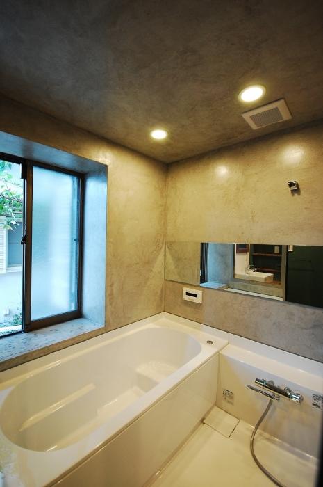 モルタルで作った浴室