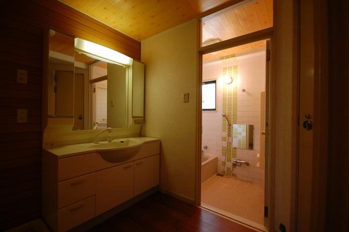 施工前の洗面室と浴室