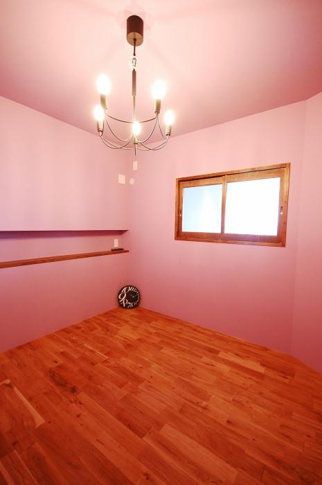 カラーで演出された部屋