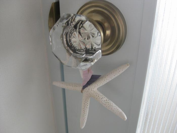 こだわりのドアノブを使ったオリジナル扉