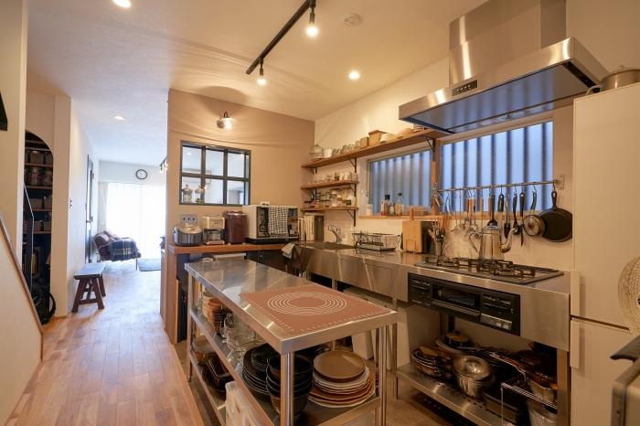 スペースたっぷりのこだわりキッチン