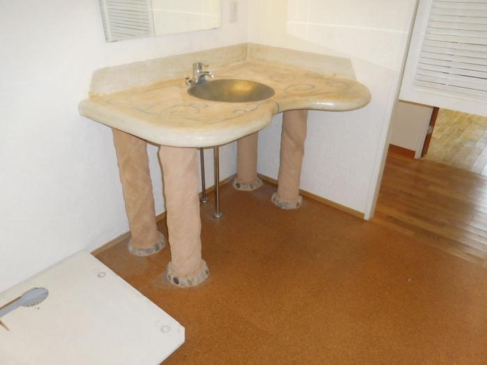 施工前の洗面所