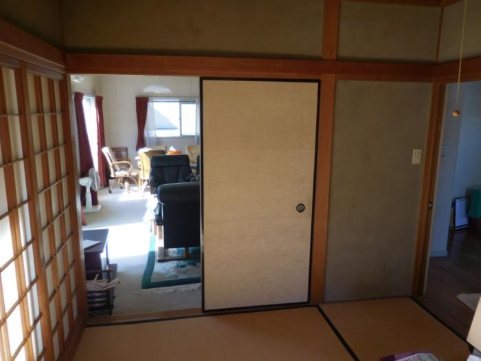 施工前のリビングと和室
